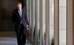 El expresidente de la CAM llega al juicio por el cobro de dietas con una propuesta de acuerdo para evitar la prisión