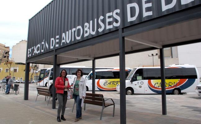 La edil de Territorio y el alcalde de Dénia evitan hablar sobre la estación de autobuses