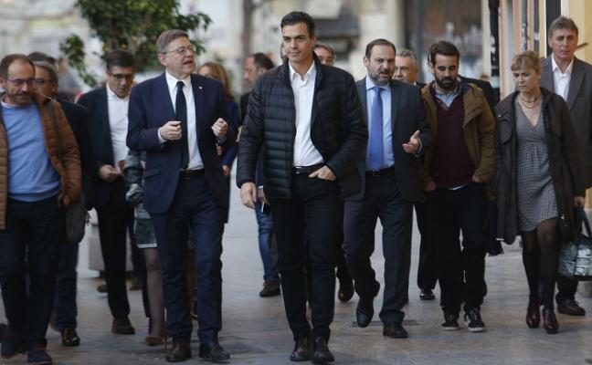 Sánchez y Puig abordan las incógnitas sobre los carteles electorales del PSPV