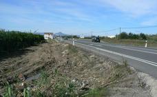 Muere un hombre de 36 años al chocar un coche y un camión en Oliva