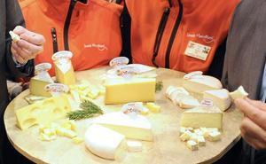 Retiran del mercado otro lote de queso contaminado