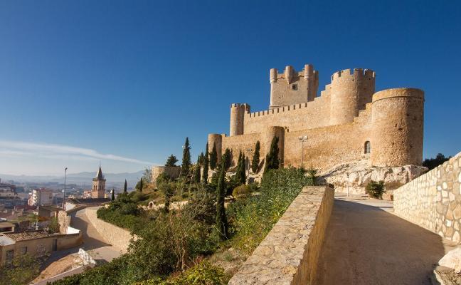 Castillo de la Atalaya: tesoro del Vinalopó