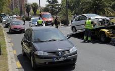Un nuevo accidente con cuatro vehículos implicados colapsa la avenida del Cid