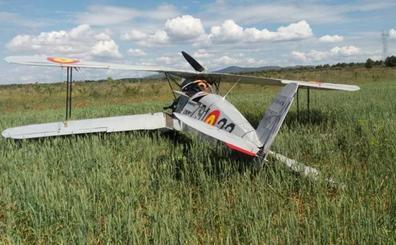 Una avioneta con dos ocupantes sufre un accidente junto al aeródromo de Requena