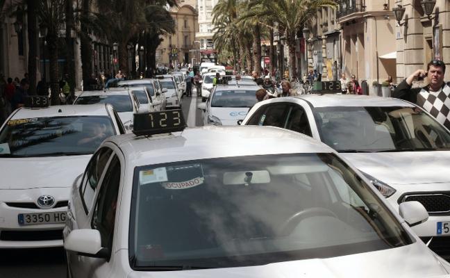 Los taxistas entran de nuevo en ebullición