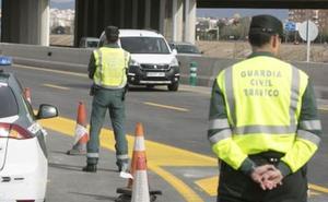 Detenidos tres miembros de una banda que roba a turistas extranjeros en la A-7