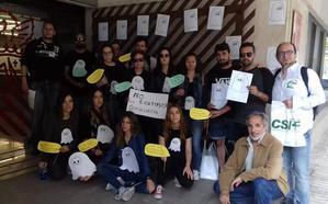 Opositores «fantasma» que no aparecen en las listas protestan ante Educación para que se le incluya