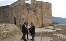 Sale a la luz una nueva pintura mural de la época medieval en el Castillo de Xivert