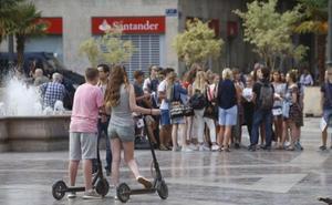 Los patinetes y las bicis eléctricas toman las calles de Valencia