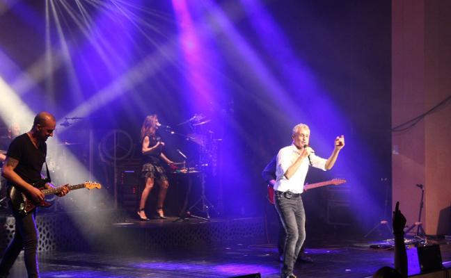 Sergio Dalma encandila al Auditori TM con un concierto enérgico y vibrante