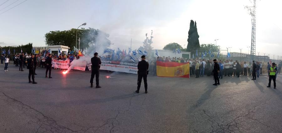 Protestas de los funcionarios ante la cárcel de Picassent