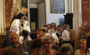 À Punt también pasa del Besamanos de la Virgen de los Desamparados