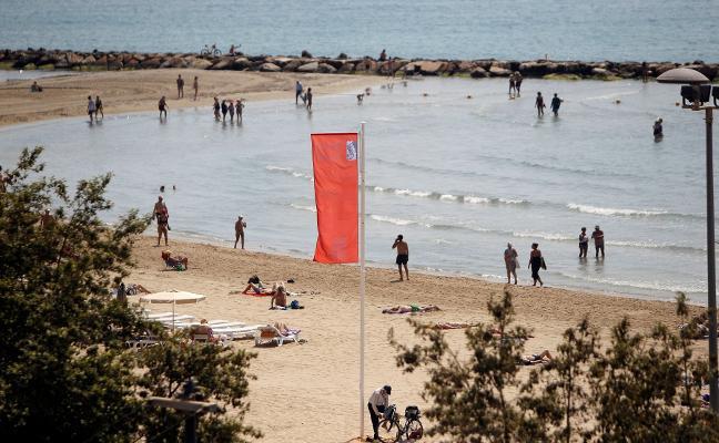 Alerta por carabela portuguesa durante el fin de semana en las playas valencianas