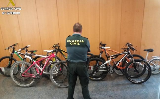 La Guardia Civil recupera 10 bicicletas