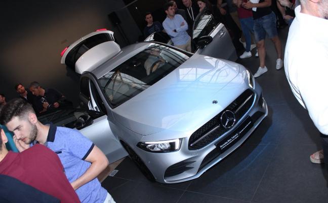 El público más joven recibe al Mercedes Clase A en Valencia