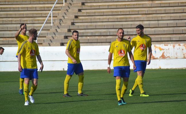 El Dénia afronta en casa el partido de ida de la promoción de ascenso ante el Vilamarxant