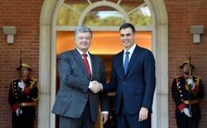 Sánchez estrena agenda exterior recibiendo al presidente ucraniano