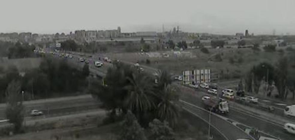 Atasco en la Pista de Silla de casi 10 kilómetros por tráfico lento