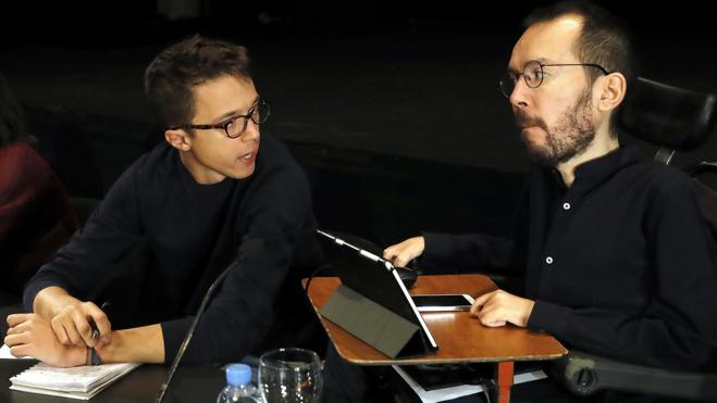 Echenique ve «tensión sexual» a lo 'Expediente X' entre Iglesias y Errejón