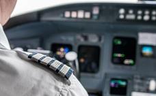 ¿Por qué es necesario apagar el móvil o activar el modo avión durante un vuelo?