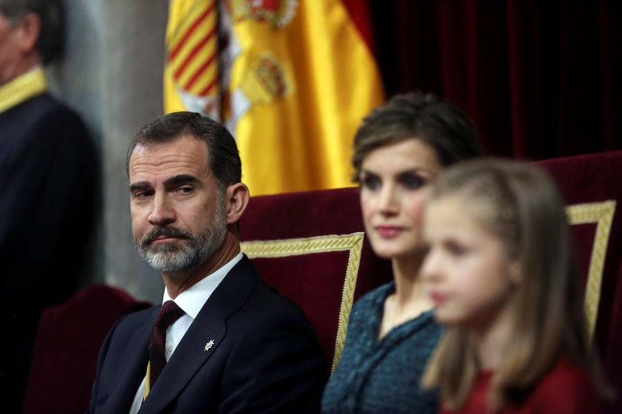 Fotos de Leonor y Sofía, protagonistas en el Congreso