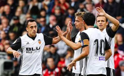 Fabián Orellana le da la victoria al Valencia CF con un golazo desde fuera del área