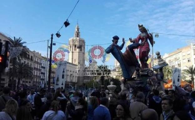Plaza De La Reina Se Reivindica Como La Falla Mas Antigua Las