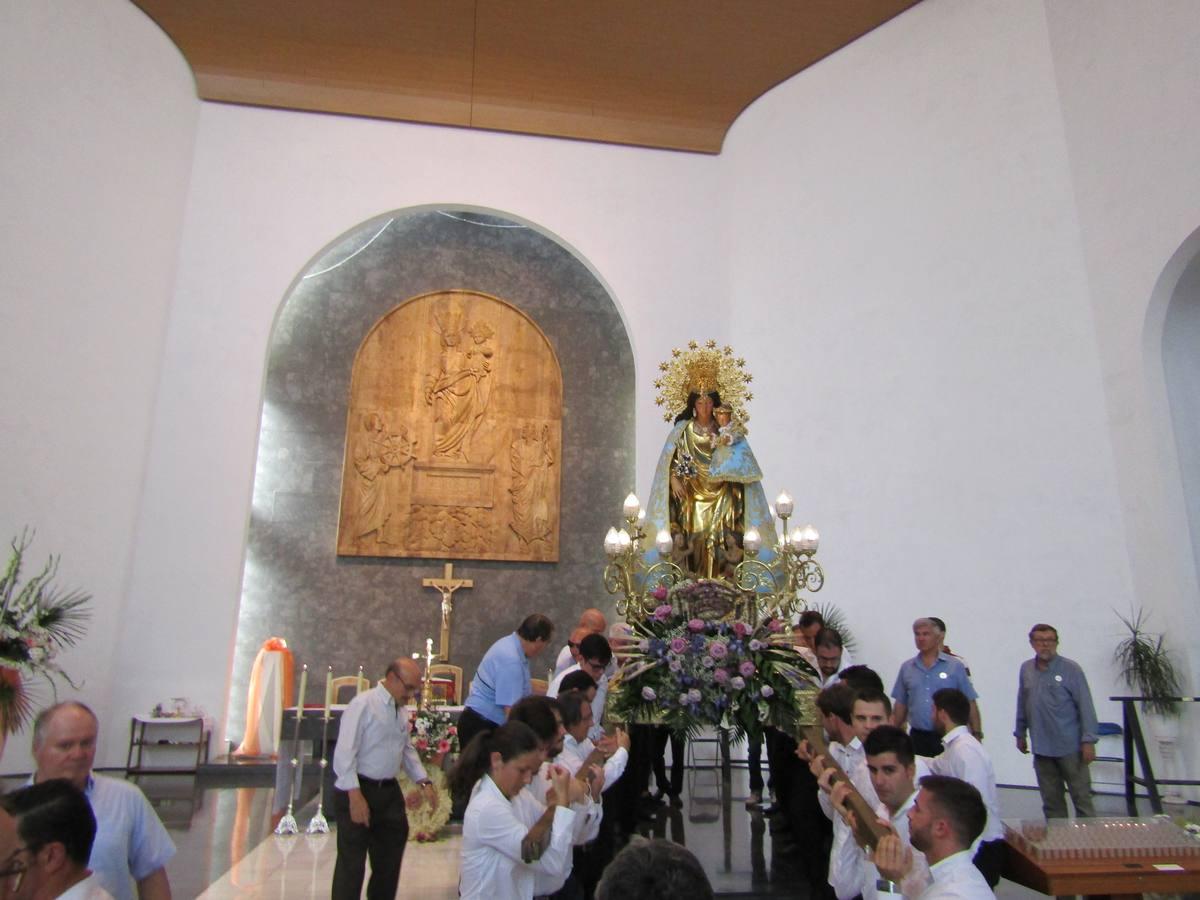 Fotos de la Virgen de los Desamparados en Sagunto