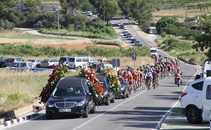Fotos del funeral del ciclista fallecido en Oliva
