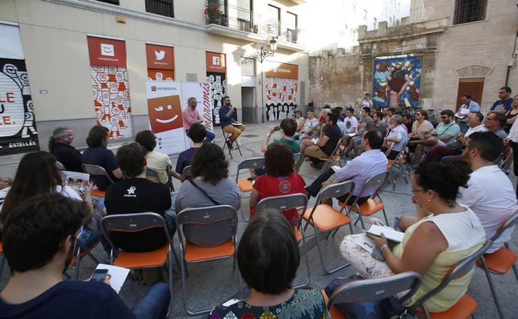 Fotos del acto de Compromís en la plaza del Pilar