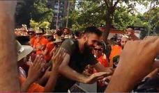 Apoteósico recibimiento en la Fonteta a los jugadores del Valencia Basket