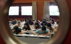 Miles de estudiantes valencianos conocen hoy su nota de selectividad 2017