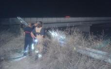 Un ciclista ebrio cae de noche al barranco del Carraixet en Alboraya