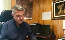 Javier Arnal deja la alcaldía de Serra