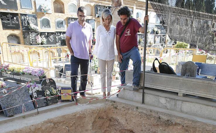 Fotos de la fosa 113 del cementerio de Paterna