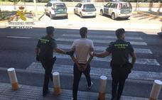 La Guardia Civil detiene a un agresivo tironero que actuaba en Alfaz del Pi