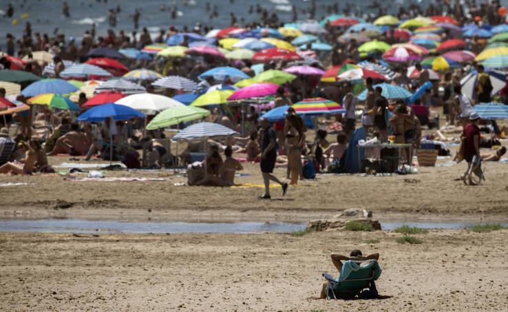 Fotos de la playa de la Malvarrosa el domingo 9 de julio de 2017