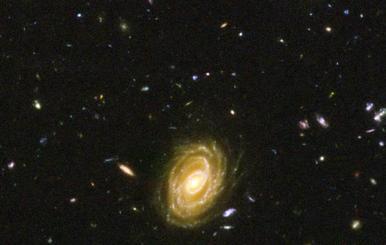Hallan una de las galaxias más luminosas que se conocen