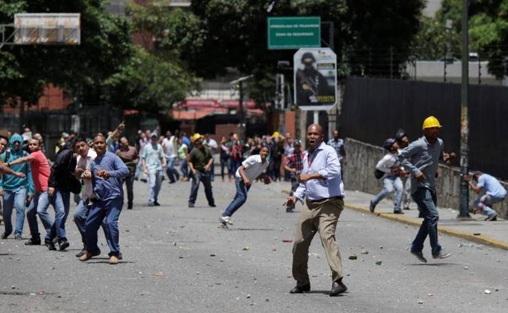 La oposición paraliza Venezuela