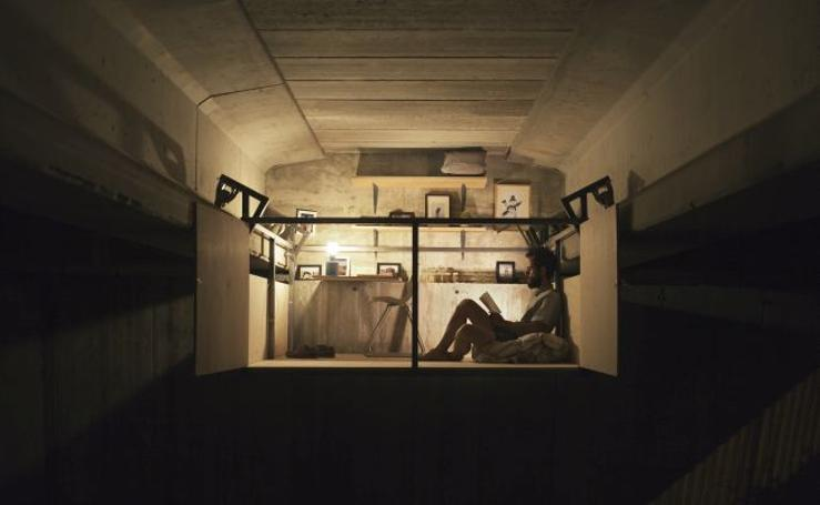 Fotos de Fernando Abellanas, diseñador de refugios urbanos