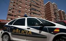 Tres detenidos por robar 40.000 euros a la trabajadora de un centro comercial de Alicante