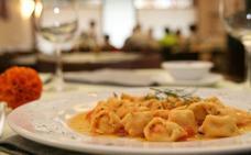 Llegan los tortellini de paella con guisantes, olivas y ajo