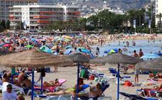 Detenidos los autores de, al menos, 16 hurtos en la playa del Arenal de Xàbia