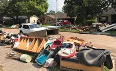 Los habitantes de Houston empiezan a recuperar lo que queda de sus hogares
