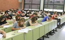 La Generalitat convoca dos tipos de becas universitarias para el curso 2017-2018