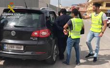 Desarticulada una organización dirigida por un capo mafioso que estafó 2,5 millones a empresas de frutas en Alicante