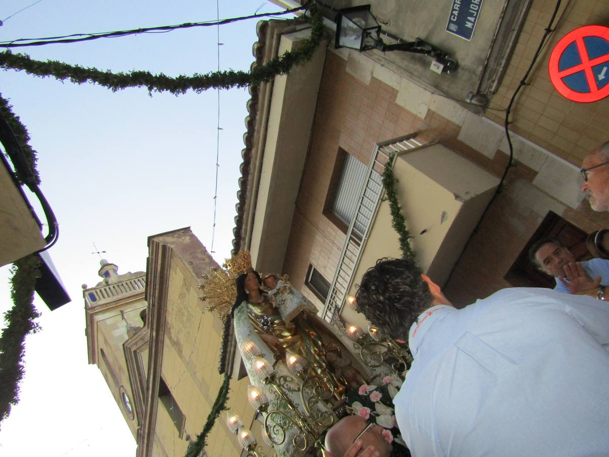 Fotos de la imagen peregrina de la Virgen de los Desamparados en Náquera
