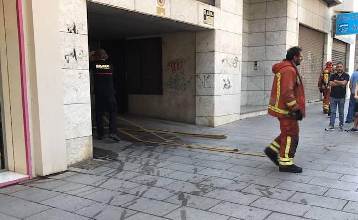 Fotos del incendio de un garaje en Catarroja