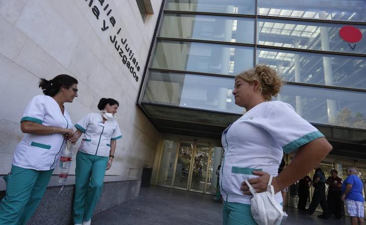 Fotos de la Ciudad de la Justicia de Valencia cerrada hasta el lunes por problemas médicos de los funcionarios