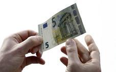 Dos detenidos en Mutxamel con una cantidad «considerable» de billetes de cinco euros falsificados